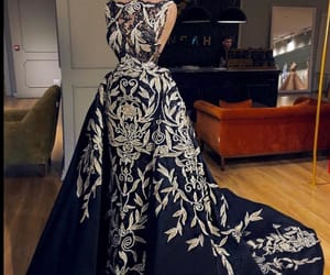 belleza, elegancia, and blanco y negro image