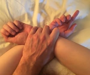 hands and veins image