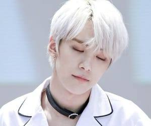 handsome, kpop, and white hair image