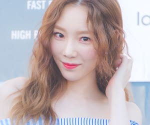 girls generation, kpop, and taeyeon image