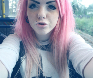 ATTENTION WHORE, pink hair, and ugly image