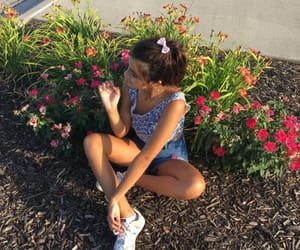aesthetic, brunette, and flowers image