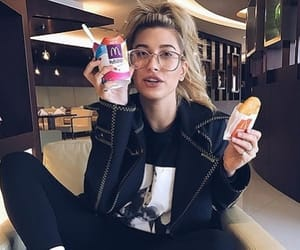 hailey baldwin, model, and food image