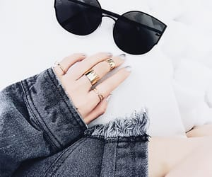 accessories, sunglasses, and ootd image