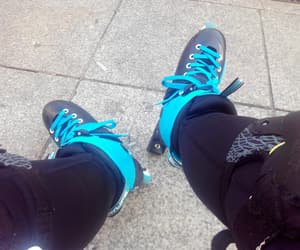velocidad, azul, and patines image
