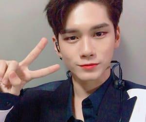 jisung, wanna one, and park woojin image