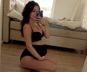 bump, gravidas, and selfie image