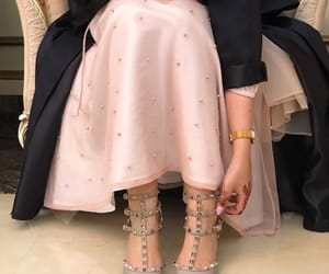 arab, heels, and shoes image