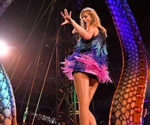 Taylor Swift, rep tour, and east rutherford image