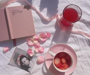 aesthetic and pink image