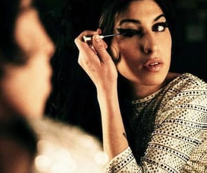 Amy Winehouse, amy, and make up image