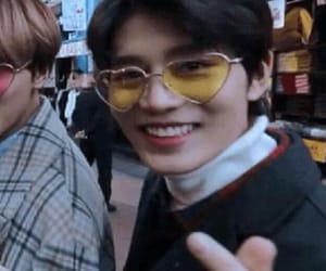 heart glasses, visual, and taeil image