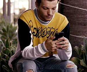 gif and louis tomlinson image