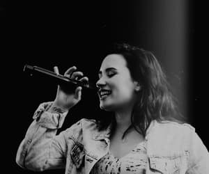 article, stay strong, and demi lovato image