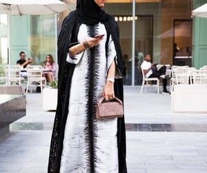 hijab, dubaï, and mode image