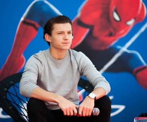 tom holland, home-coming, and spiderman image