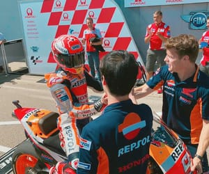 win, marc marquez, and equipo image