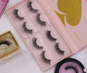 box, lashes, and mink lashes image
