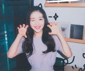 kpop, yves, and 이브 image