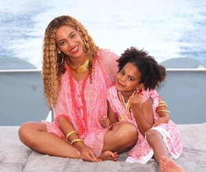yonce, blue ivy, and beyoncé image