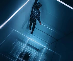 blue, perspective, and freerunning image