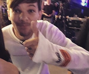 louis tomlinson, loueh, and one direction image