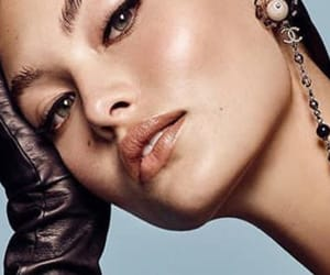 beauty, eyeliner, and vogue image