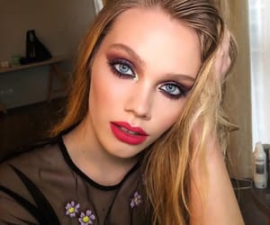 blonde, glam, and lipstick image