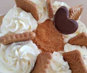 chantilly, speculoos, and cœur chocolat image