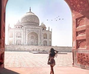 travel and taj mahal image