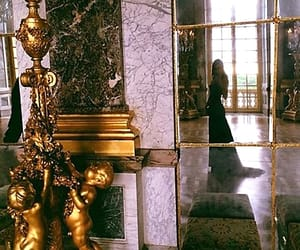 versailles and kendall jenner image