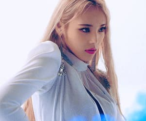 blue, kpop, and jinsoul image