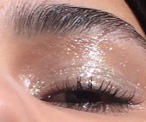 makeup and glossy image