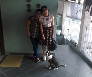 mom and lookdodia image