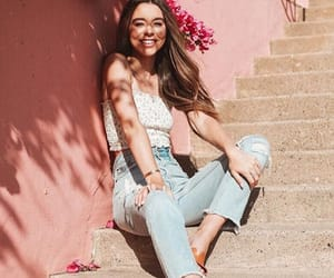 beauty, sierrafurtado, and glowing image