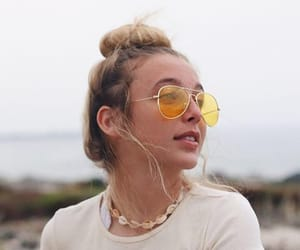 fashion, emma chamberlain, and youtuber image