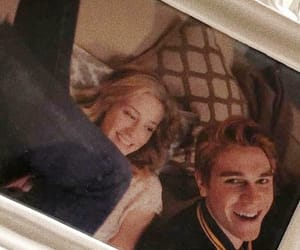 betty cooper, archie andrews, and barchie image