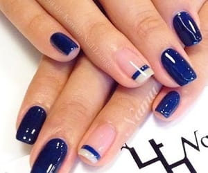 design and nails image