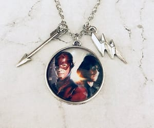 etsy, green arrow, and the flash image