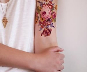 arm, brazo, and flores image
