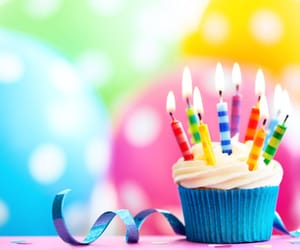 cup cake and anniversaire image