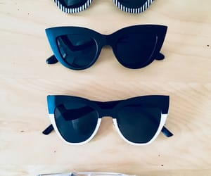 bicolor, righe, and occhiali image