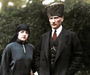 atatürk and 🐺 image
