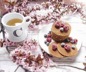 food, gucci, and tea image