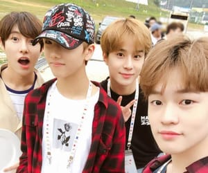 jisung, jungwoo, and chenle image