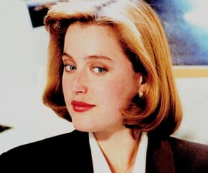gillian anderson, fbi agent, and aliens image