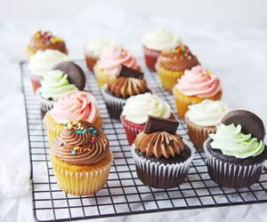 cupcakes, aesthetic, and food image