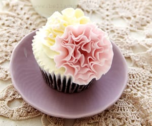 cupcakes, dessert, and pink and white image