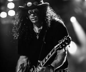 concert and slash image