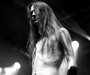 Image by Helmut Satani
